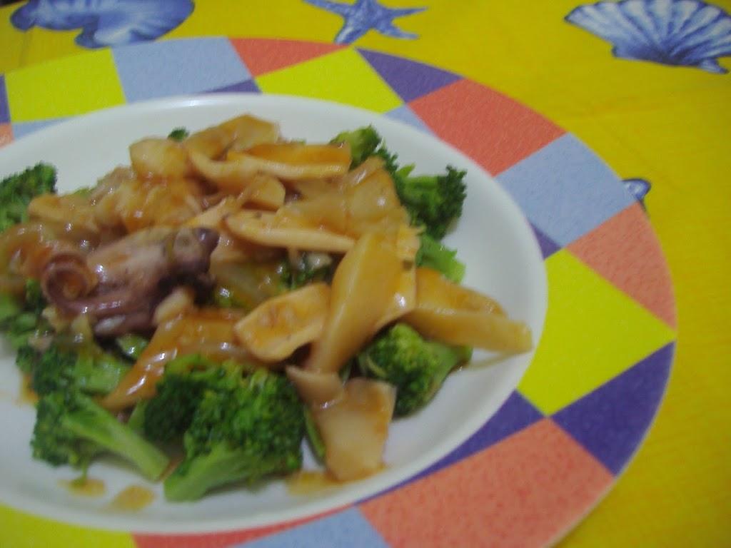 Brokoli Siram Saus Cumi