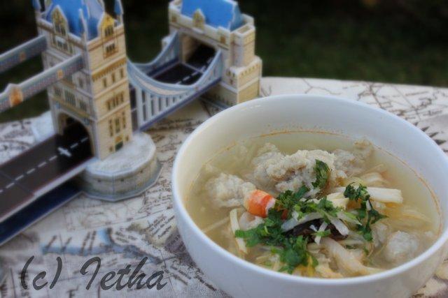 Tekwan (Palembang Fish Ball Soup)