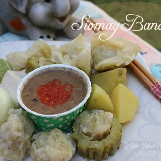Bandung Steamed Dumplings with Peanut Sauce (Siomay Bandung)